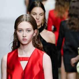 LIUCHAO鎏朝亮相2020春夏巴黎時裝周