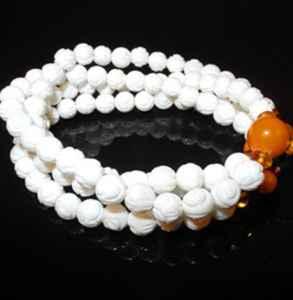 佛珠和玉镯能带同一只手吗 佛珠的佩戴有哪些讲究