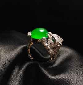 翡翠戒指如何挑选 翡翠戒指佩戴的含义有哪些