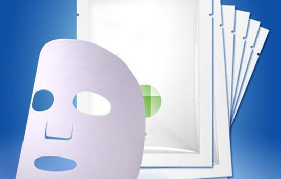 冬天面膜可以热水泡吗 保湿、补水类面膜可以用热水泡