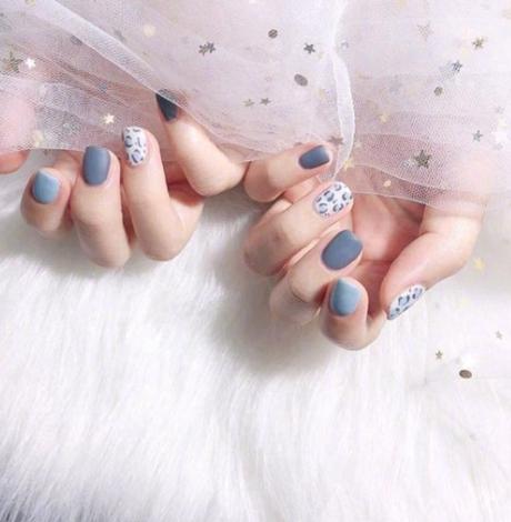 冬天做指甲做什么顏色好看 顯白才是正經事