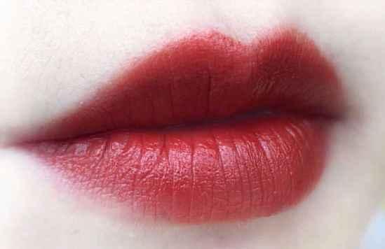 秋冬口红颜色推荐 温暖冬天的颜色不能错过