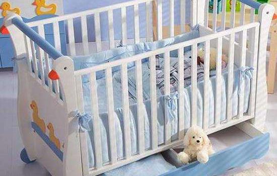 新生儿冬天盖多厚合适 怎样判断宝宝盖得是否合适