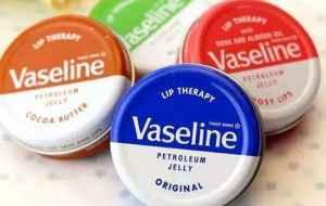 凡士林为什么涂起来这么油 油性皮肤不建议用凡士林