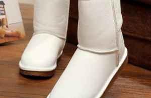 """多少度穿雪地靴 冬天女人穿""""雪地靴""""的3个穿搭技巧"""