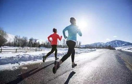 冬天戴口罩跑步的危害 虽然防尘也会缺氧有利有