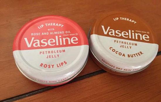 凡士林润唇膏和晶冻的区别 凡士林经典润唇膏和晶冻哪个好