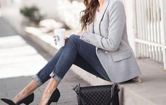 小西装适合穿什么鞋子小西装与鞋子的时尚潮酷搭配