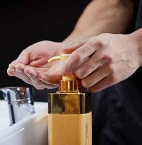 润肤露是水还是乳液 非常适合夏季使用