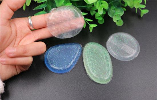 硅胶粉扑有薄膜一面是正面 不能撕掉无需蘸水