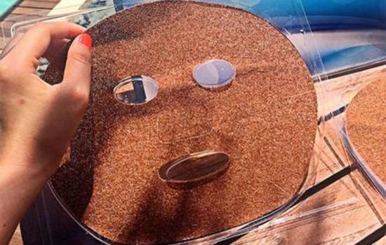 敷海藻面膜之前要干嘛 敷海藻面膜前后都需洗脸