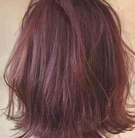 棕红色头发适合年龄 发型搭配对了让你美的更高级
