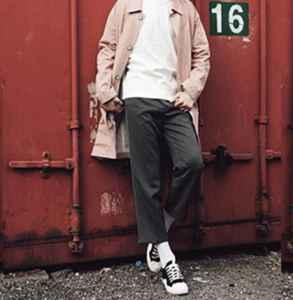 男风衣配什么裤子和鞋子 这么搭配帅气又拉风