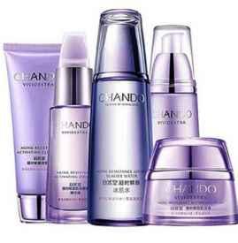 自然堂紫瓶和藍瓶區別 針對的年齡層和護膚需求不同