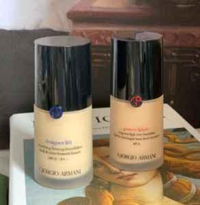 阿玛尼蓝标和红标区别 两者适合不同的妆容