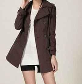 咖啡色外套搭配什么颜色打底衫 咖啡色衣服搭配方法