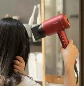 头发有味道怎么快速去除 教你轻松去除头发异味