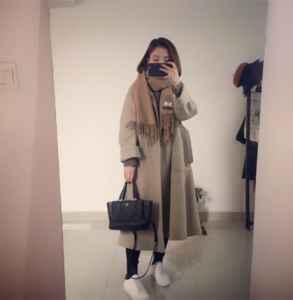 燕麦色大衣配什么色围巾 燕麦色大衣怎么搭配好看