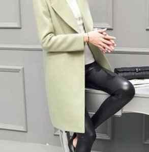 绿外套里面穿什么 绿色大衣配什么内搭好看