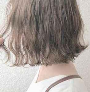 奶茶色頭發掉色后是啥色 奶茶色頭發是什么顏色