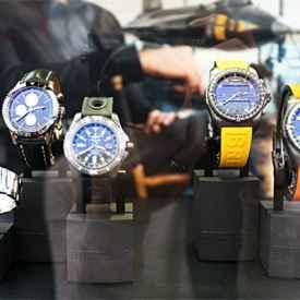 百年灵和浪琴谁档次高 如何挑选合适的手表