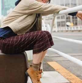 女士闊腿褲配什么上衣 時下正熱的一字領上衣get