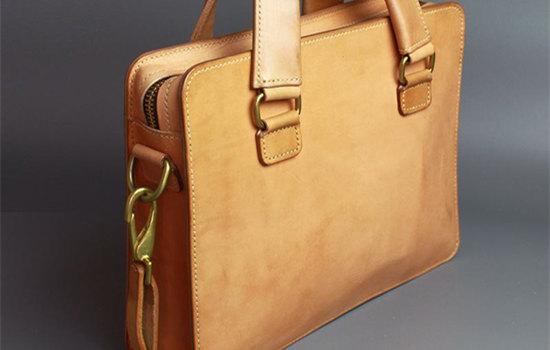 意大利买什么牌子包包划算 选品牌包注意事项  国外带包包回国会交税吗