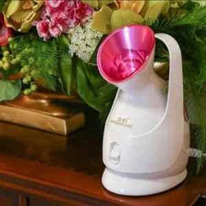蒸脸器为什么不能用自来水 使用蒸馏水会更好