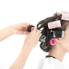 烫发第二天怎么打理 可以扎头发吗