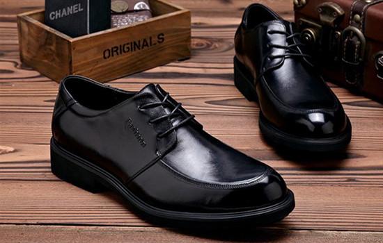 皮鞋比运动鞋大还是小,皮鞋比运动鞋大一码还是小一码,皮鞋比运动鞋大吗  怎样挑选适合自己的皮鞋