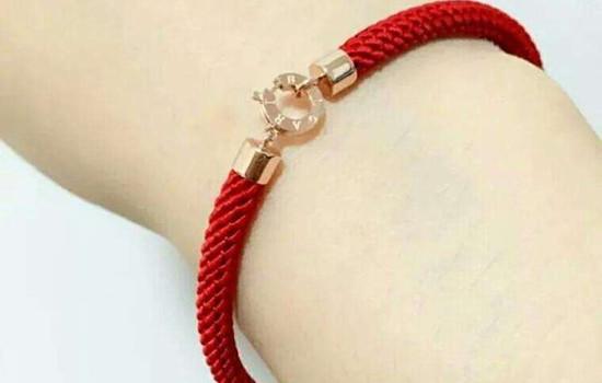 女生左手绑红绳能随便摘吗 有什么注意事项  女生想绑红绳需要注意什么