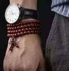 男人手串带左手还是右手 非常有讲究