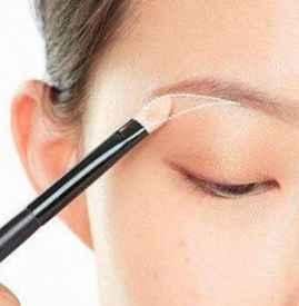 肿眼泡怎么画眼影 适合肿眼泡的完美眼妆