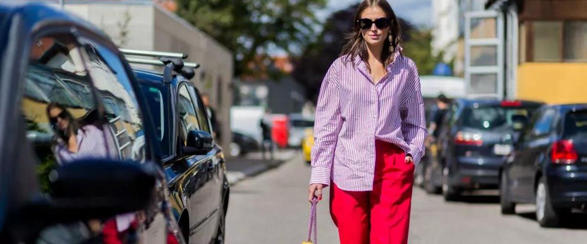 紫色是非常浪漫,靓丽的颜色,很多时尚人士也喜欢在穿搭中加入紫色,让一身穿搭看起来亮点十足,但是对于一般的朋友要怎么正确运用紫色来搭配呢?要注意哪些问题呢?看完你就知道了。