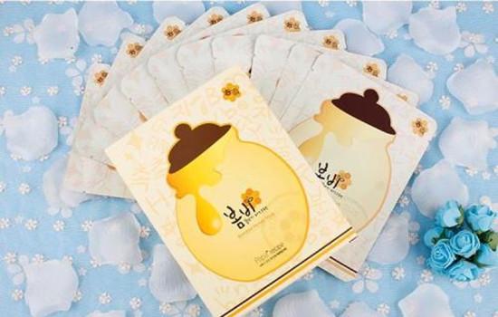 【美天棋牌】春雨蜂蜜面膜要洗吗 春雨面膜款式众多怎么选