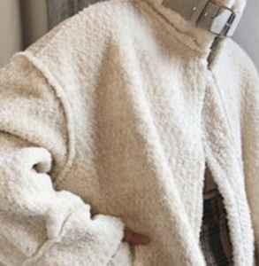 羊羔毛粘黑色毛怎么办 羊羔毛外套怎么清洗