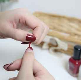 撕拉指甲油怎样维持的时间久一些 撕拉指甲油有没有毒