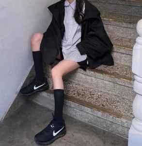 全身黑配什么颜色鞋子 如何穿好一身黑色