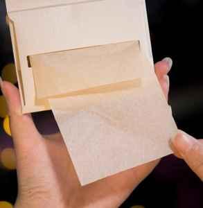 为什么吸油纸上有粉末状 蜜粉吸油纸的这些事儿