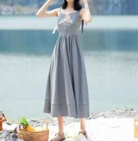 吊带裙肩带怎么绑蝴蝶结 夏季穿搭吊带裙必备包包