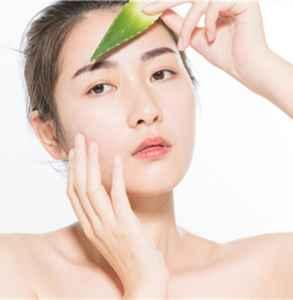 库拉索芦荟可以直接涂脸吗 你必须了解的正确使用方法