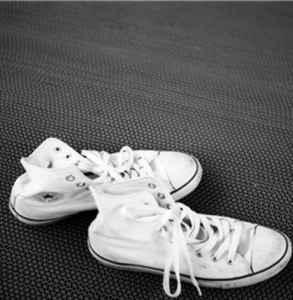 匡威鞋底多厚 這些匡威護理小技巧你真的知道嗎