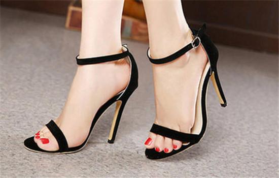 鞋跟太高能改短2cm吗 高跟鞋能把鞋跟锯短吗