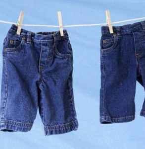 洗牛仔裤水变黄正常么 牛仔裤的保养说明书