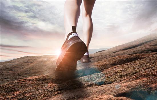 【美天棋牌】运动鞋带的系法图解男 学会这三招你就是潮男本人