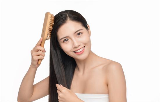 【美天棋牌】荷荷巴油怎么护发 这些护发小技巧你都知道吗