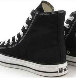 黑色帆布鞋怎么清洗 教你正确清洗黑色帆布鞋