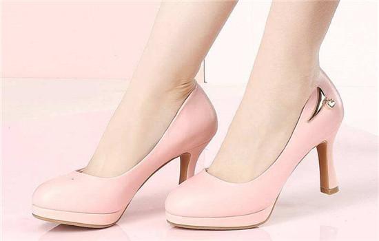 【美天棋牌】卓诗尼女鞋什么档次 卓诗尼鞋子质量怎么样