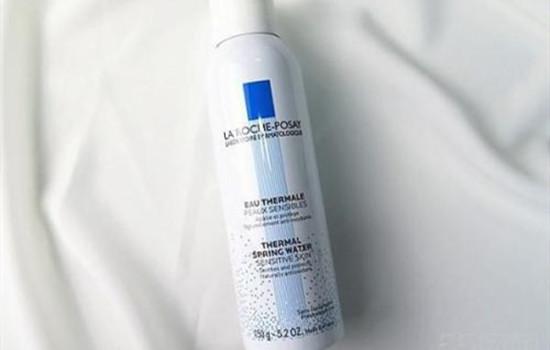 【美天棋牌】最简单的自制补水喷雾 化妆前后可以用保湿喷雾吗