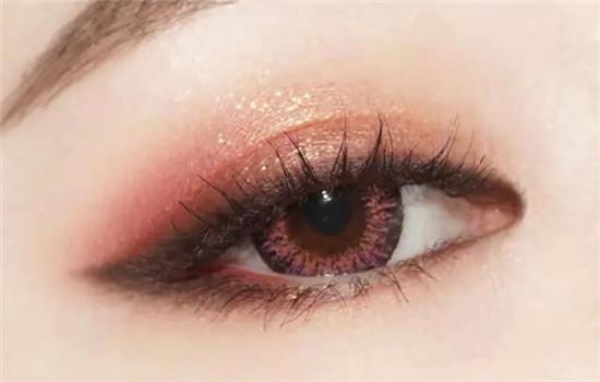 消肿眼影妆图片